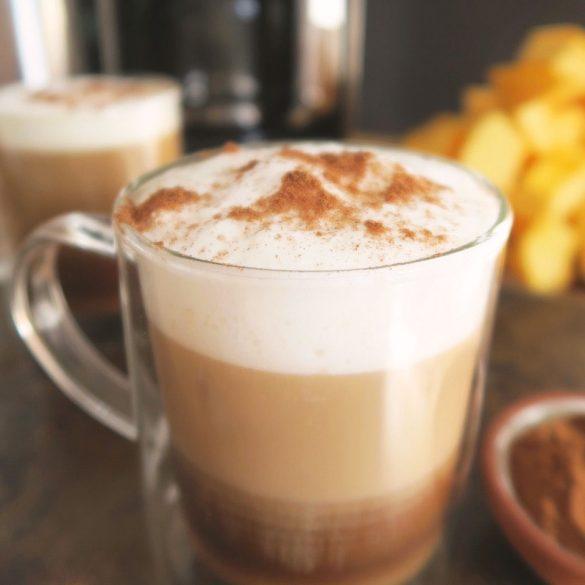 Un latté à la citrouille épicée fait maison