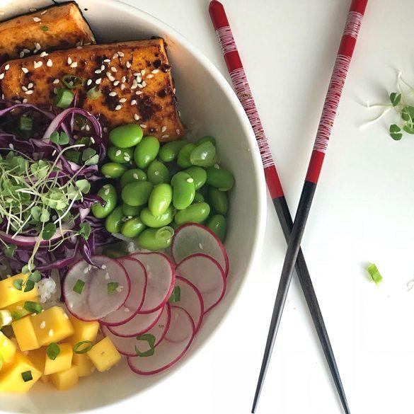 Au Septième Délice: «Poké Bowl» Épicé Au Saumon Ou Tofu