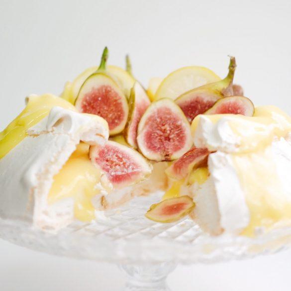 Célébrez le printemps: Pavlova au crème au citron et figues